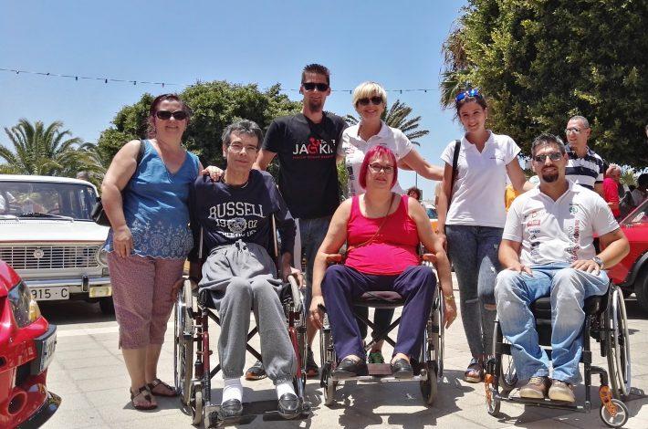 Sin Barreras Driving apoyando la  Exposición Solidaria de Motor que organizó Agüimes Solidario en Montaña de Los Vélez.