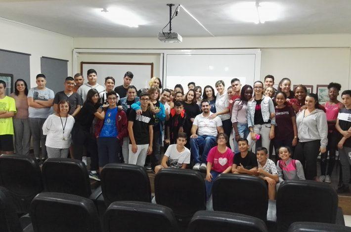 CHARLA/ACTIVIDAD DE EDUCACIÓN CON EL DEPORTE,DISCACIDAD, IGUALDAD Y ORIENTACIÓN LABORAL EN EL IES FERIA DEL ATLÁNTICO