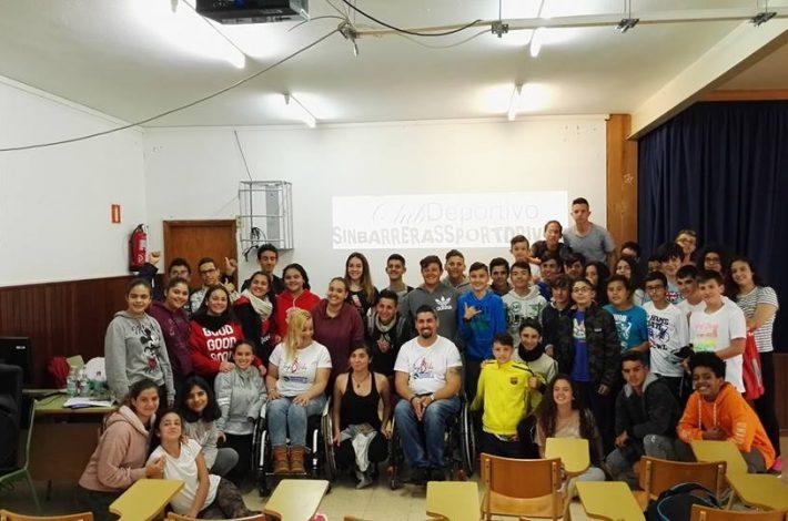 """Seguimos trabajando """"Rompiendo barreras"""" con el Instituto Insular de Deportes (programa JuegosDVida) en el IES Arucas Domingo Rivero. Gracias chic@s lo pasamos genial👏👏👏💕🏁. #tupuedesconseguirloquequieras"""
