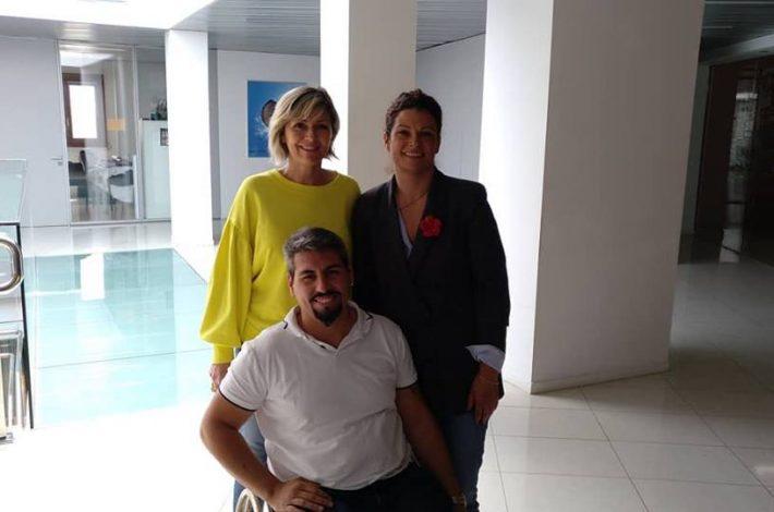 Hoy mantuvimos una reunión muy agradable con la Concejala de Servicios Sociales Igualdad Mayores y Plan de Accesibilidad Elena Suarez. Encantados y agradecidos por la cercanía y el cariño 💕 #inclusión #social #Igualdad #integración #normalización #visibilidad Villa de Ingenio